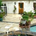 pretty-courtyard-pool